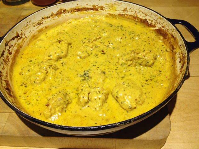 Spicy yoghurt and lemon curry
