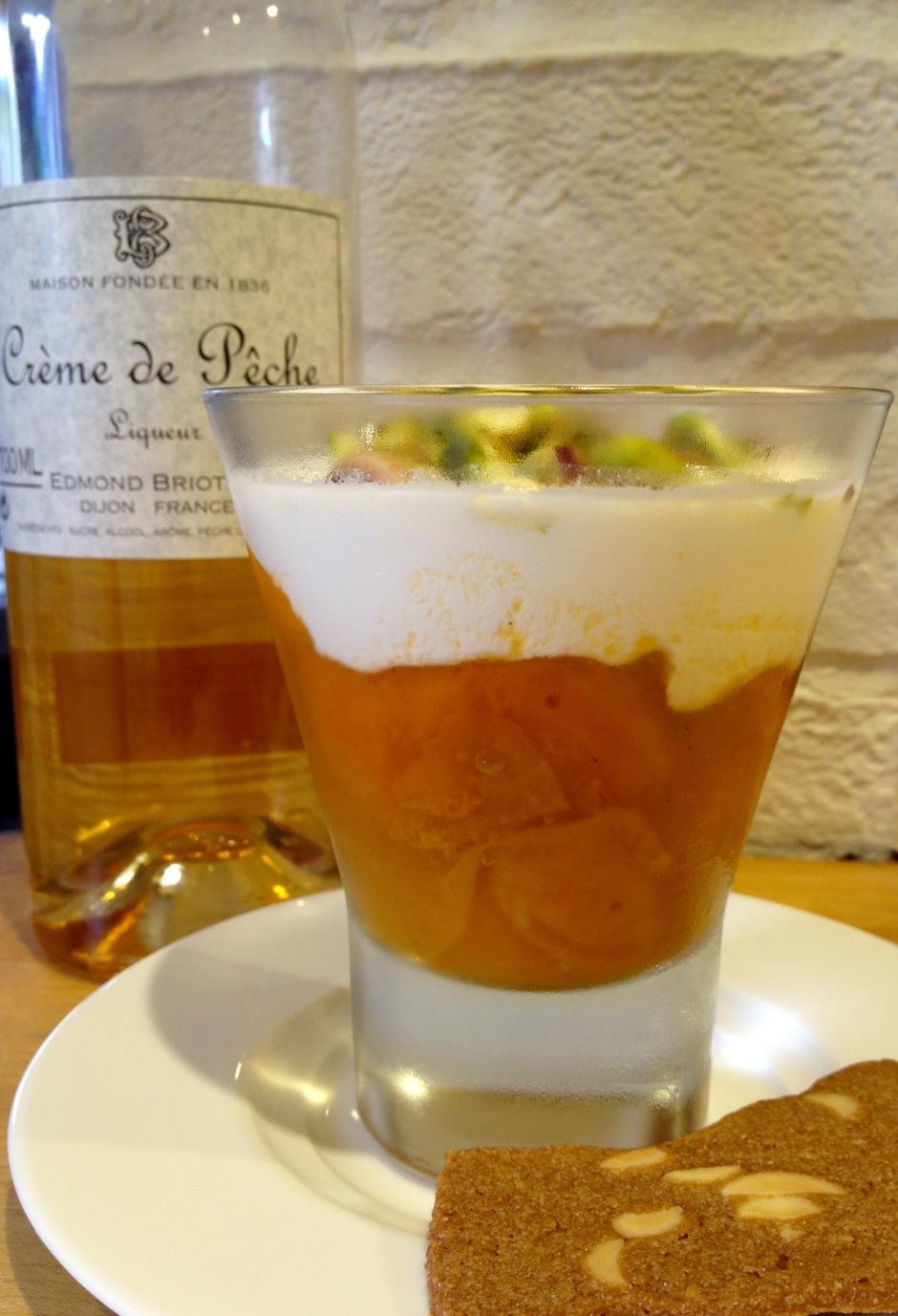 Apricot yoghurt sundae