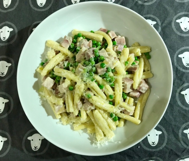 Pea and ham pasta