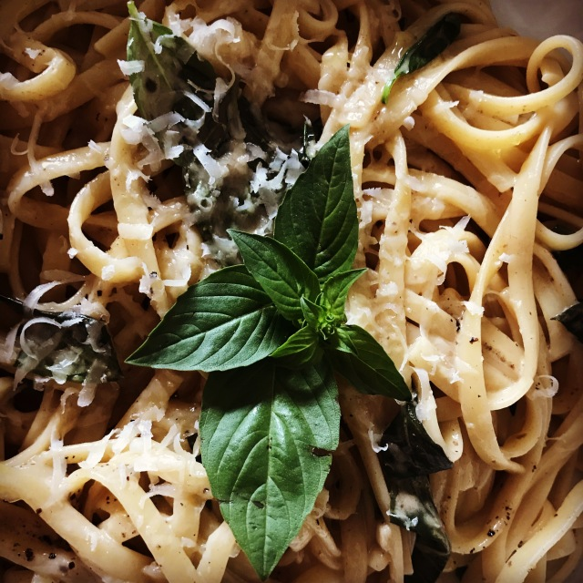 Linguine with black garlic