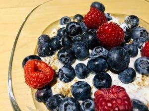 Yoghurt with berries